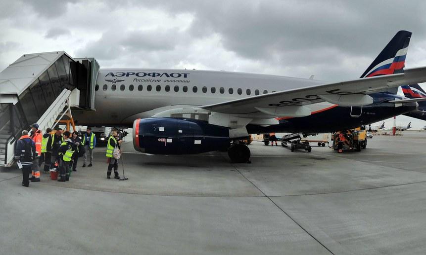 Сообщения о минировании самолётов затрудняют работу аэропортовых служб.