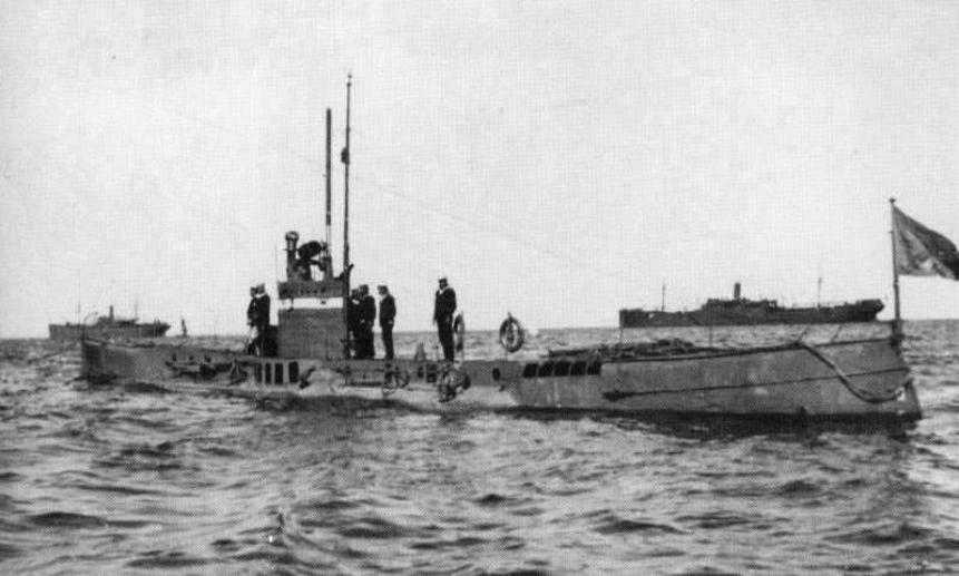 ПЛ «Окунь», введёная в строй в 1905 году. Фото wikipedia.org.