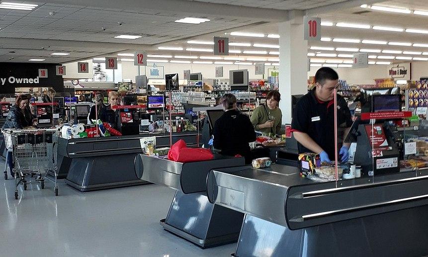 Работа супермаркета в особом режиме. Фото Melonbob (CC BY-SA 4.0)